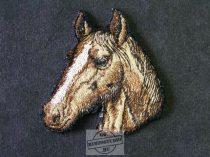 Hímzett ló fej