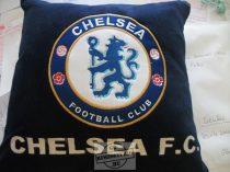 Hímzett Chelsea párna